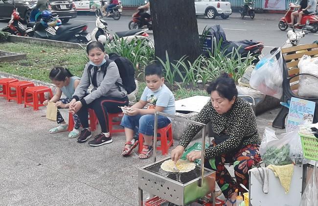 """Bánh tráng nướng - """"Pizza đường phố"""" Sài Gòn - Ảnh 4."""