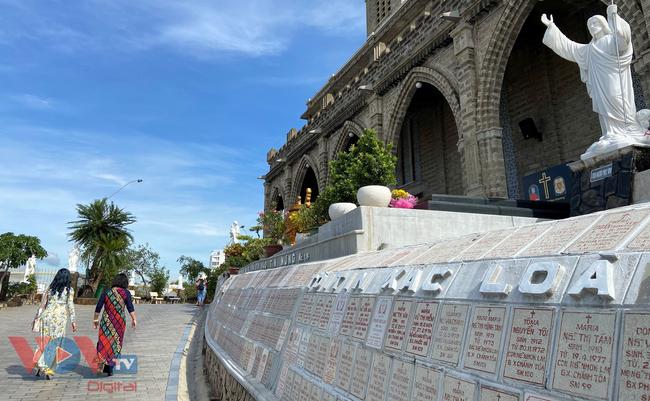 Thăm ngôi nhà thờ Chánh Tòa hơn 90 năm tuổi ở Nha Trang  - Ảnh 1.