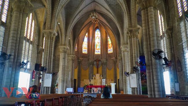 Thăm ngôi nhà thờ Chánh Tòa hơn 90 năm tuổi ở Nha Trang  - Ảnh 4.