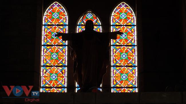 Thăm ngôi nhà thờ Chánh Tòa hơn 90 năm tuổi ở Nha Trang  - Ảnh 6.