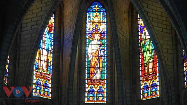 Thăm ngôi nhà thờ Chánh Tòa hơn 90 năm tuổi ở Nha Trang  - Ảnh 8.