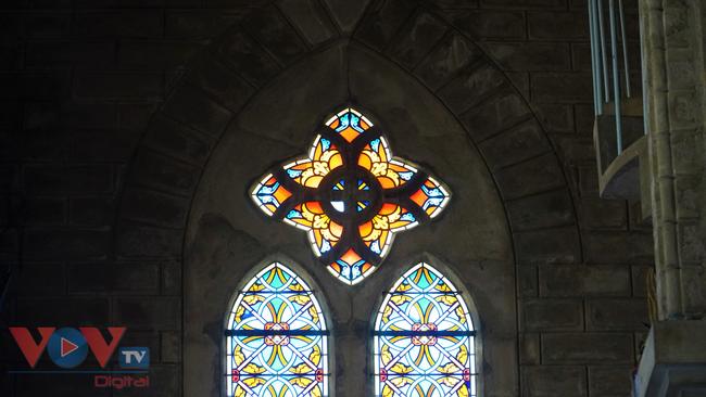 Thăm ngôi nhà thờ Chánh Tòa hơn 90 năm tuổi ở Nha Trang  - Ảnh 9.