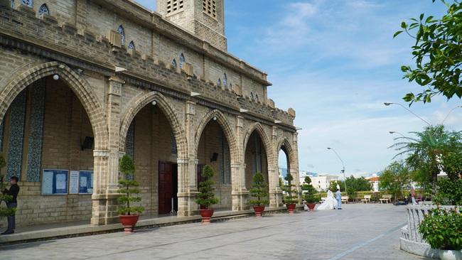 Thăm ngôi nhà thờ Chánh Tòa hơn 90 năm tuổi ở Nha Trang  - Ảnh 12.