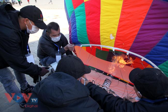 Chùm ảnh: Khinh khí cầu cất cánh trên bầu trời Lai Châu - Ảnh 8.
