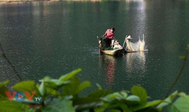 Đắm chìm trong khung cảnh hoang sơ và bình yên ở Đà Bắc – Hòa Bình - Ảnh 4.