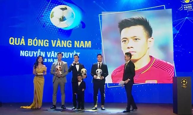 Quả bóng Vàng Việt Nam 2020 gọi tên Văn Quyết  - Ảnh 1.