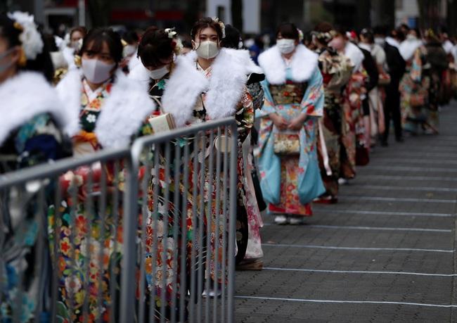 Ngày duy nhất trong năm kimono ngày lễ của phụ nữ chưa chồng đồng loạt hiện diện trên khắp Nhật Bản  - Ảnh 2.
