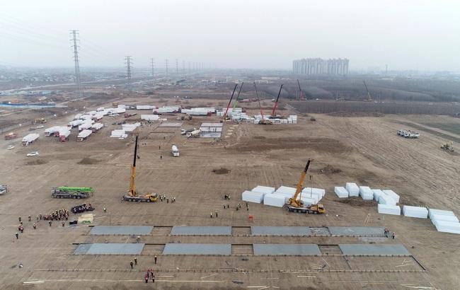 Trung Quốc: Thạch Gia Trang gấp rút xây dựng trung tâm cách ly tập trung Covid-19 - Ảnh 3.