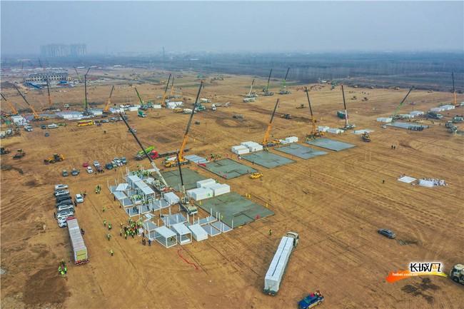 Trung Quốc: Thạch Gia Trang gấp rút xây dựng trung tâm cách ly tập trung Covid-19 - Ảnh 5.