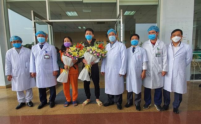 Vĩnh Long: Điều trị khỏi bệnh cho 2 bệnh nhân dương tính với SARS-CoV-2 - Ảnh 1.