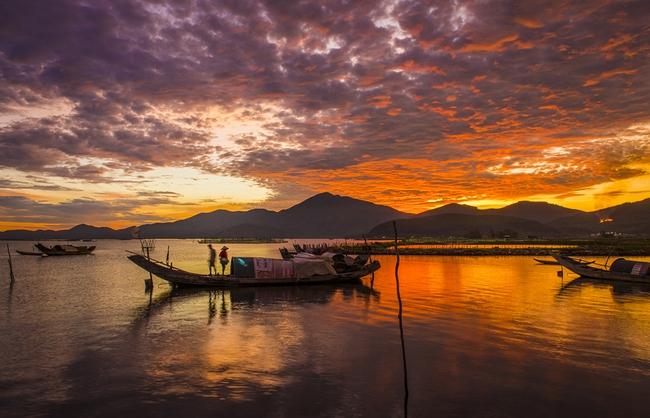 Vẻ đẹp đầm Cầu Hai qua góc nhìn của tay máy Khang Chu Long - Ảnh 8.