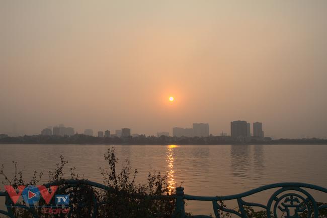 3 địa điểm check-in hoàng hôn ngược nắng đẹp như mơ ở hồ Tây - Ảnh 1.