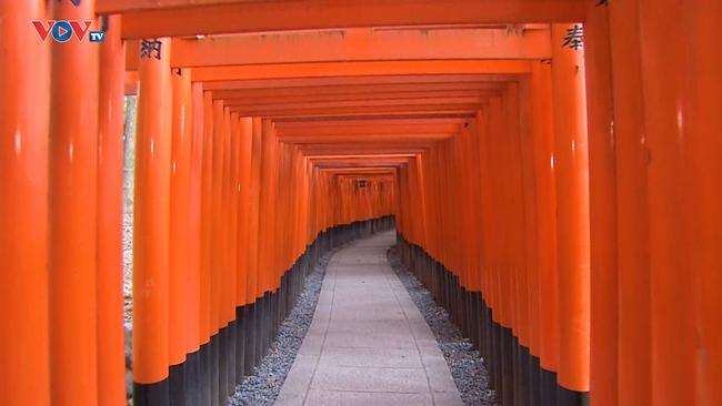 Những Nét Đẹp Vùng Kansai Nhật Bản: Đền Fushimi Inari Taisha - Ảnh 3.