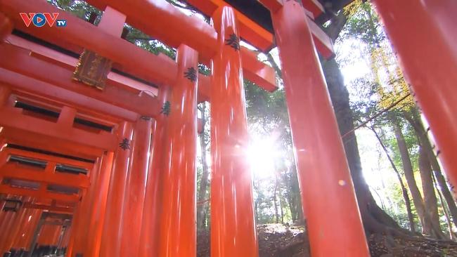 Những Nét Đẹp Vùng Kansai Nhật Bản: Đền Fushimi Inari Taisha - Ảnh 2.