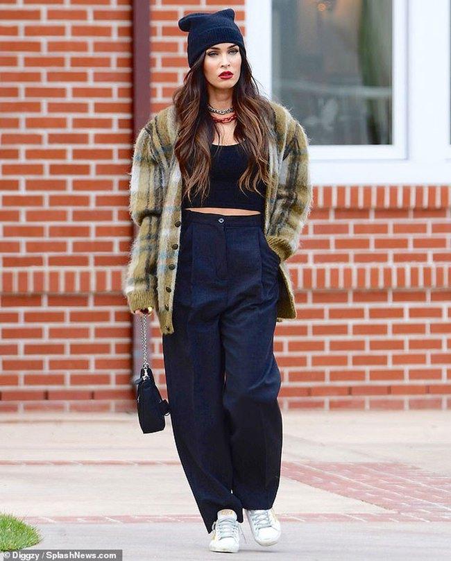 Megan Fox tiếp tục bị chỉ trích vì không đeo khẩu trang - Ảnh 1.