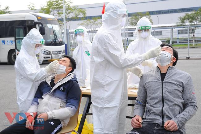 Hải Dương: Thị xã Kinh Môn truy vết dịch tễ liên quan đến nữ công nhân Poyun mắc COVID-19 - Ảnh 1.