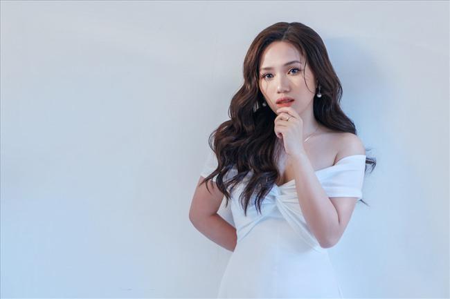 MV Sơn Tùng M-TP 'bốc hơi', Thùy Chi và ViruSs vẫn tranh thủ PR clip cover 'Chúng ta của hiện tại' - Ảnh 1.