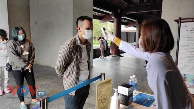 Quảng Ninh cho phép mở lại các hoạt động du lịch đón khách ngoại tỉnh.jpg