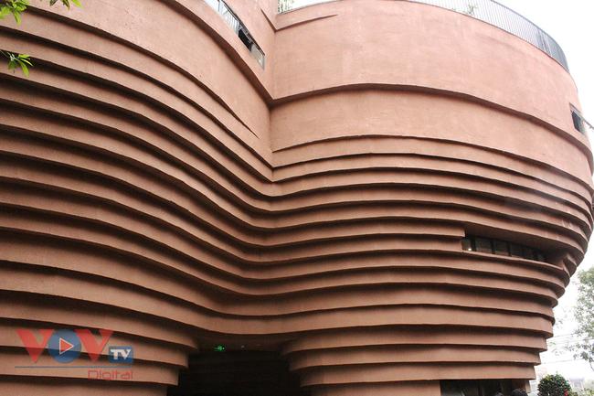 Người dân Thủ đô 'phát sốt' với bảo tàng gốm Bát Tràng 150 tỷ đồng - Ảnh 5.