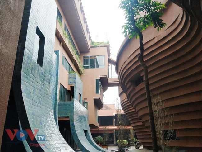 Người dân Thủ đô 'phát sốt' với bảo tàng gốm Bát Tràng 150 tỷ đồng - Ảnh 8.