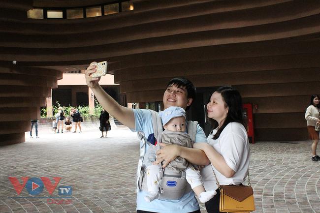 Người dân Thủ đô 'phát sốt' với bảo tàng gốm Bát Tràng 150 tỷ đồng - Ảnh 13.