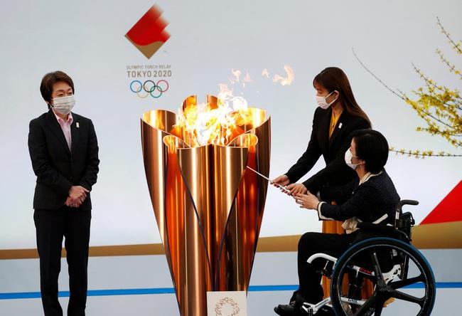 Thành phố Matsuyama của Nhật Bản hủy lễ rước đuốc Olympic - Ảnh 1.