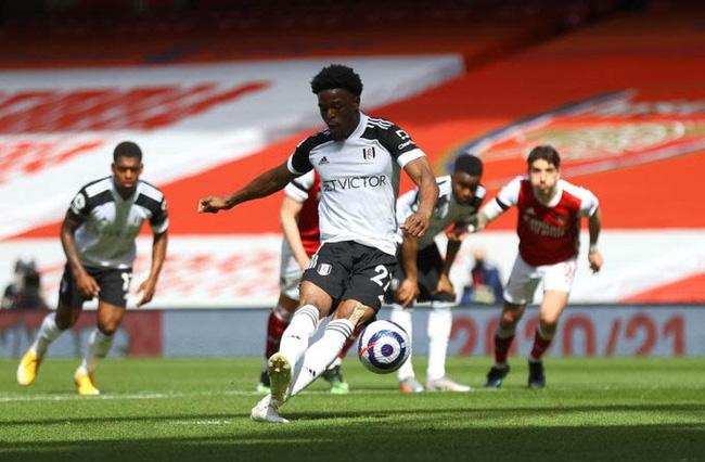 Kết quả Arsenal 1-1 Fulham: Pháo thủ vỡ òa với bàn thắng phút bù giờ thứ 7 - Ảnh 2.