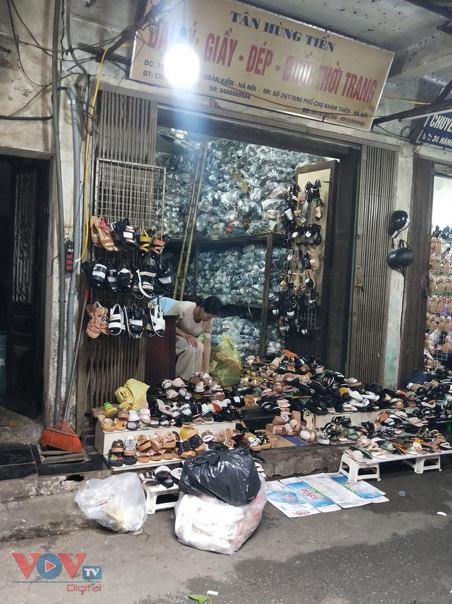 Hà Nội: Tiềm ẩn nguy cơ cháy nổ từ những kho hàng, ki ốt - Ảnh 9.