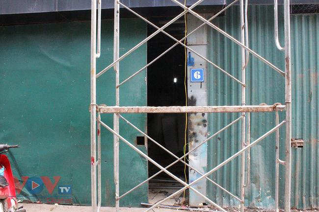 Hà Nội: Tiềm ẩn nguy cơ cháy nổ từ những kho hàng, ki ốt - Ảnh 14.
