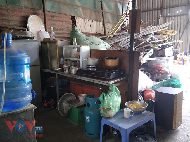 Hà Nội: Tiềm ẩn nguy cơ cháy nổ từ những kho hàng, ki ốt - Ảnh 21.