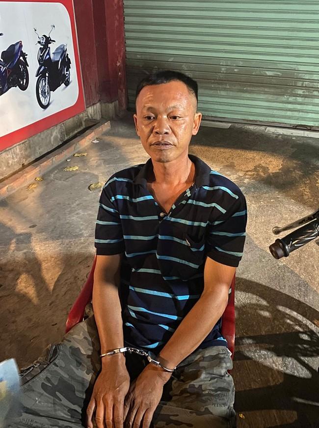 Bình Thuận: Khởi tố kẻ hiếp dâm bé gái 2 tuổi - Ảnh 1.