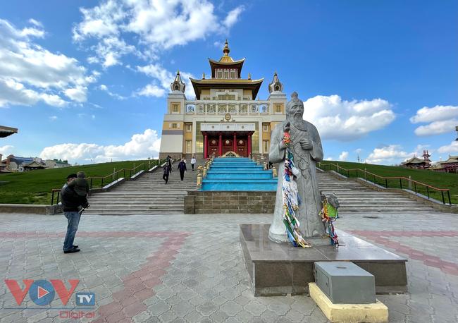 Hoà cùng sắc màu thảo nguyên Kalmykia tại lễ hội hoa tulip - Ảnh 13.