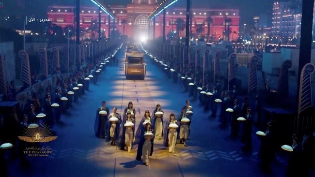 Toàn cảnh lễ rước xác ướp Hoàng gia Ai Cập  - Ảnh 2.
