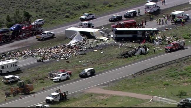16 người thiệt mạng trong vụ tai nạn gần biên giới Mỹ-Mexico - Ảnh 1.