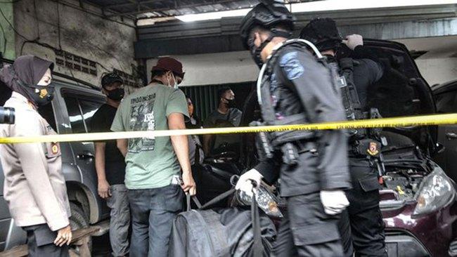 Indonesia bắt 10 nghi phạm và truy nã 3 kẻ tình nghi khủng bố ở Jakarta - Ảnh 1.