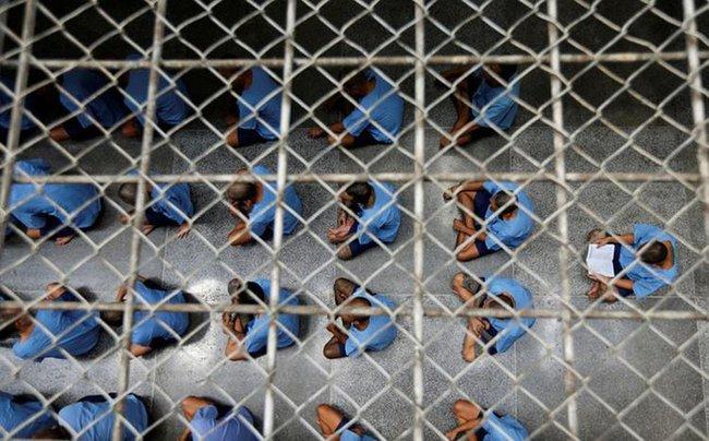 Thái Lan: Phát hiện ổ dịch Covid-19 lớn trong trại giam, ghi nhận số ca nhiễm mới kỷ lục trong ngày - Ảnh 1.