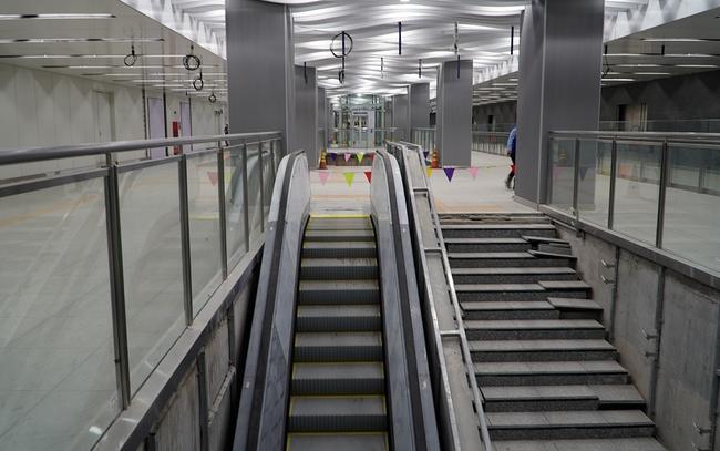 Hoàn thành tầng B1 ga Ba Son của tuyến metro số 1 tại TPHCM - Ảnh 2.