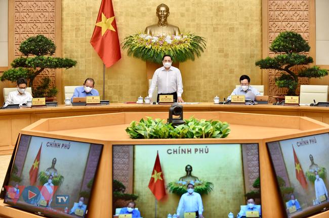 Thủ tướng chủ trì phiên họp Chính phủ thường kỳ tháng 4/2021 - Ảnh 2.