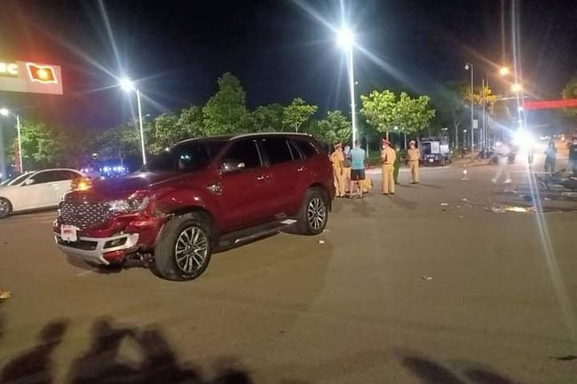 Nam thanh niên tử vong sau va chạm với ô tô tại ngã tư ở Lai Châu - Ảnh 1.