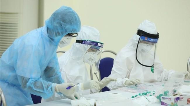 Ca dương tính SARS-CoV-2 mới ở Hà Nội từng tới nhiều điểm ăn uống ở phố cổ - Ảnh 1.