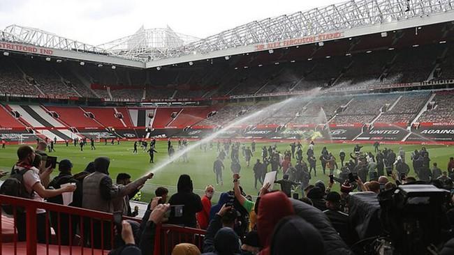 Trận Man United vs Liverpool xác định thời điểm đá lại - Ảnh 1.