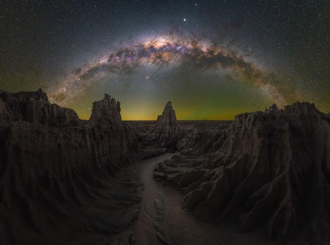 Mãn nhãn với loạt ảnh ấn tượng chụp dải Ngân Hà - Ảnh 11.
