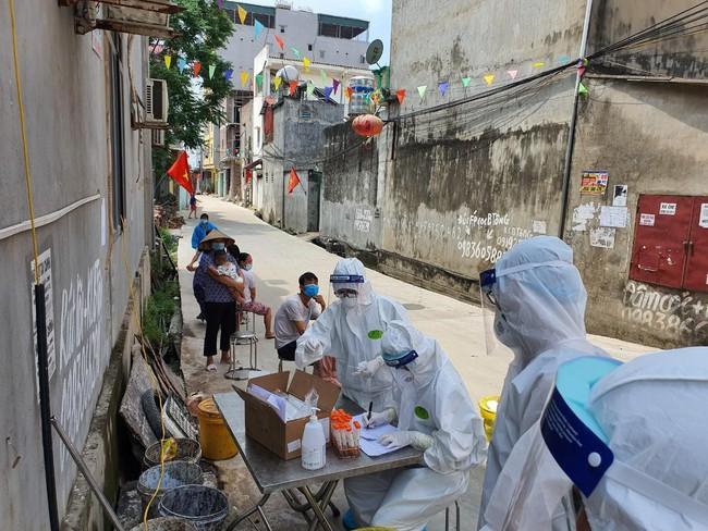 Bắc Giang: Phê bình chủ tịch UBND huyện vì để phát sinh F0 trong khu cách ly tập trung - Ảnh 1.