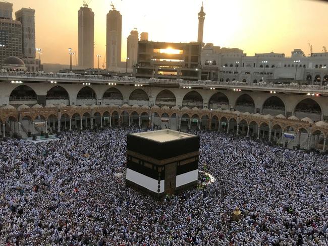 Ả-rập Xê-út cấm người từ nước ngoài hành hương tới Mecca  - Ảnh 2.