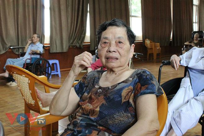 Cha mẹ già có nên cậy nhờ viện dưỡng lão  - Ảnh 1.