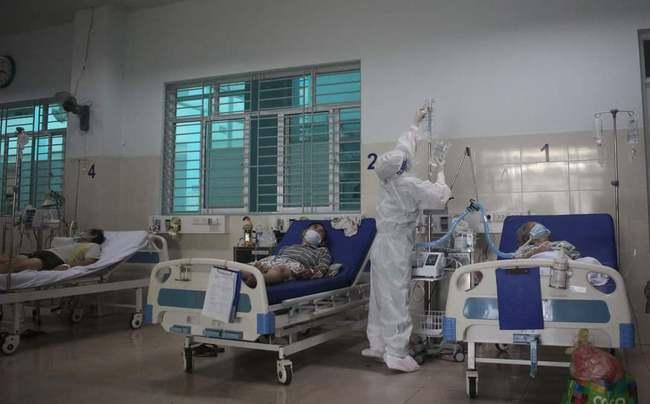 Chùm ảnh: Trong phòng bệnh bệnh nhân nguy kịch của Bệnh viện Hồi sức COVID-19 quy mô 1.000 giường TP.HCM - Ảnh 7.