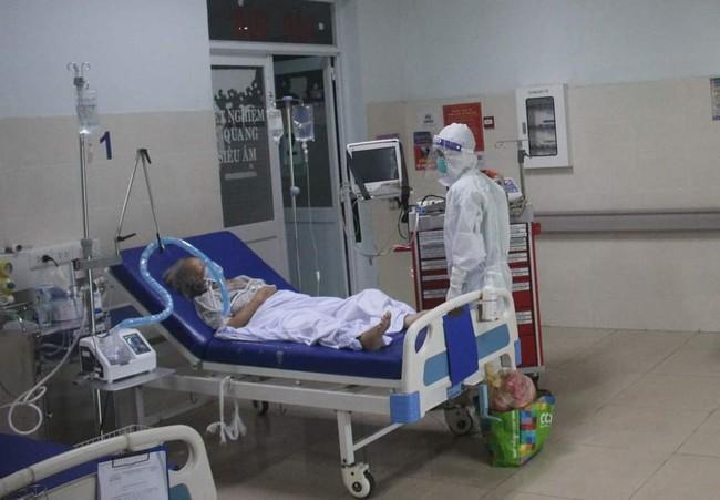 Chùm ảnh: Trong phòng bệnh bệnh nhân nguy kịch của Bệnh viện Hồi sức COVID-19 quy mô 1.000 giường TP.HCM - Ảnh 9.