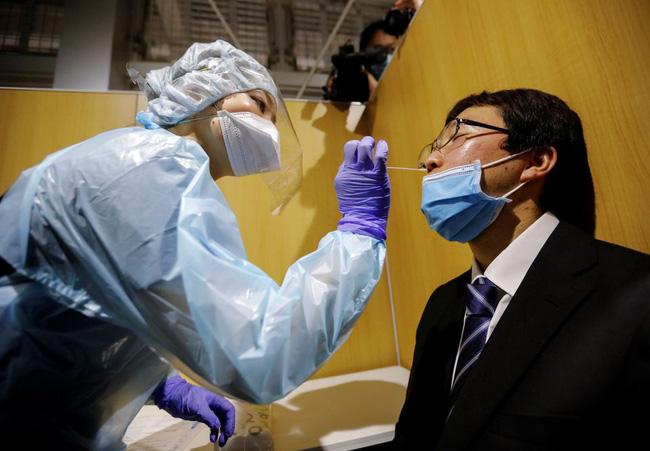 Nhật Bản phê chuẩn thuốc kháng thể điều trị Covid-19 - Ảnh 1.