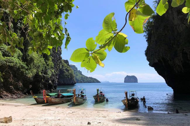 Thái Lan dự định giảm thời gian cách ly để thu hút du lịch - Ảnh 1.