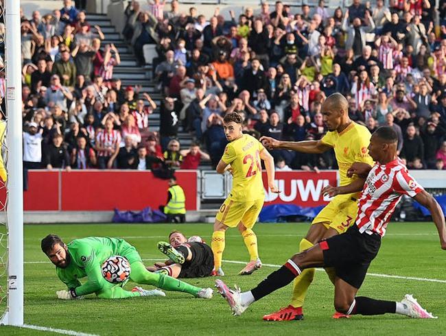 Kết quả Brentford 3-3 Liverpool: Liverpool lên đỉnh bảng trong run rẩy - Ảnh 1.